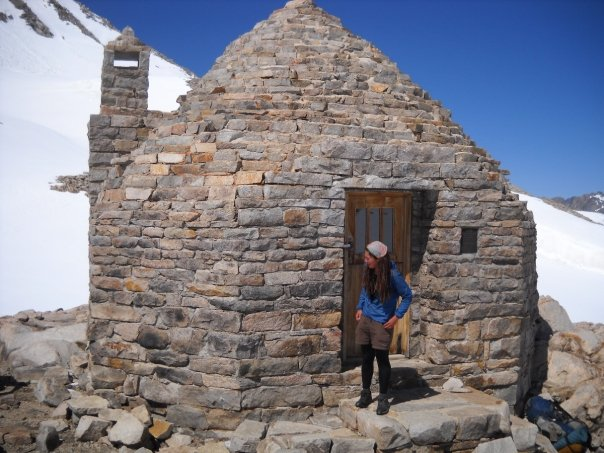 Muir Hut on top of Muir Pass.